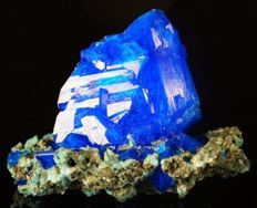 Big Electric Blue Chalcanthite amazing crystal cluster - lab - 16,0 x 12,5 x 12,0 cm - 614 gm