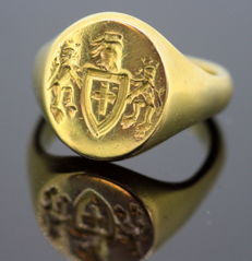Antique 19th century yellow gold seal ring, circa. 1820