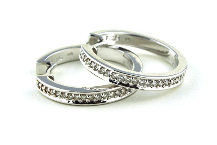 Exclusive Hoop Earrings with 30 Diamonds (Tot. 0.30ct) set on 18k/750 White Gold  - Low Reserve & Fast Shipping