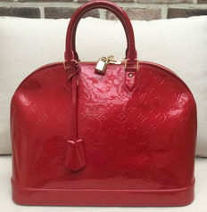 Louis Vuitton - Pomme D'amour Vernis Monogram Alma GM bag
