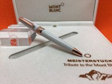 Montblanc Meisterstück White Solitaire Red Gold Coated