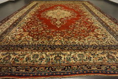 Fine hand-knotted Art Nouveau Persian palace carpet, Sarough, 270 × 375 cm, made in Iran