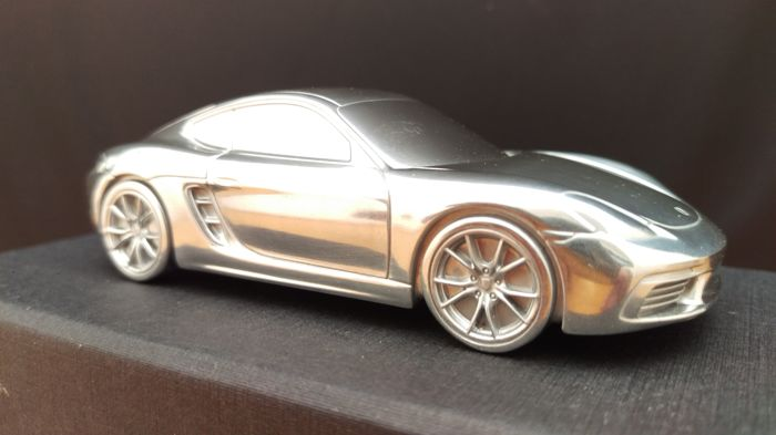 Porsche 718 Cayman S 2016 - solid aluminium Paperweight in luxury gift packaging - scale 1/43