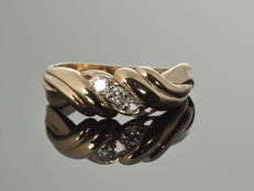 14 kt gold. Ring with topazes Cut: 55 (ø 17.6 mm)
