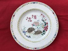 "Famille rose ""quails"" plate - China - ca. 1730 (Yongzheng period)"