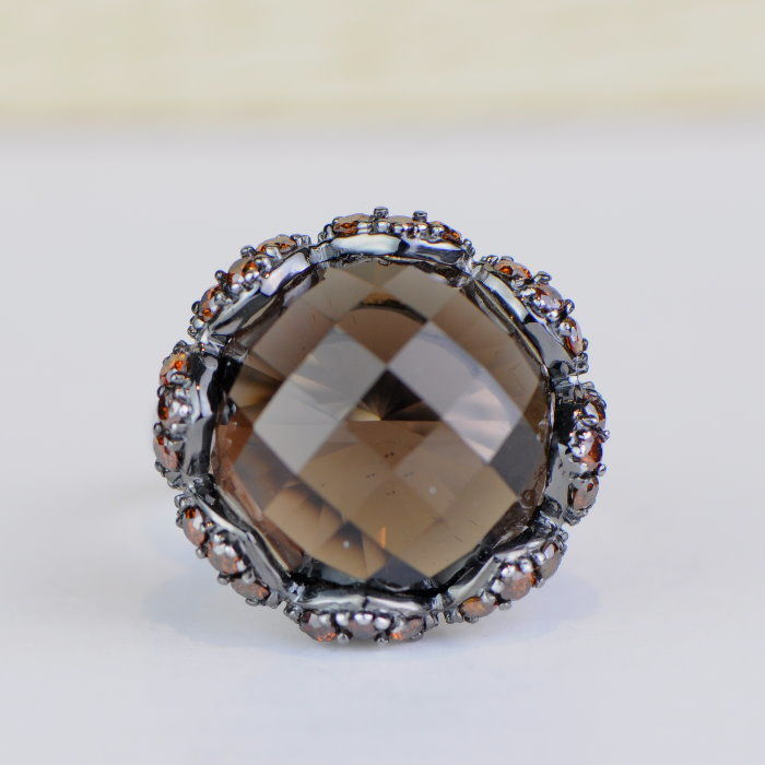 Cocktail ring with 15.01 ct smoky topaz and 0.90 ct orange brown diamonds - 14 KT white gold - size 7.25/55/17.5