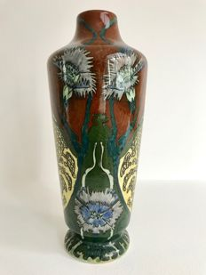 Wed. N.S.A. Brantjes & Co, Purmerend  Faience de Purmerende - Polychrome earthenware vase.