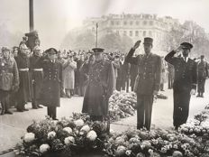 Unknown/British Official Photo - Winston Churchill and General Charles De Gaulle, Paris for the Armistice, November 1944
