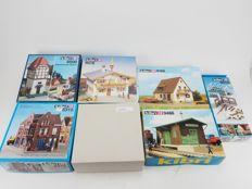 Kibri H0  - 8612/9466/8180/8076/8500/8727/8315 - Lot with 7 unbuilt buildings