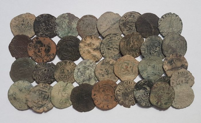 Spain - Enrique IV (1454-1474) Lot of 35 copper blancas