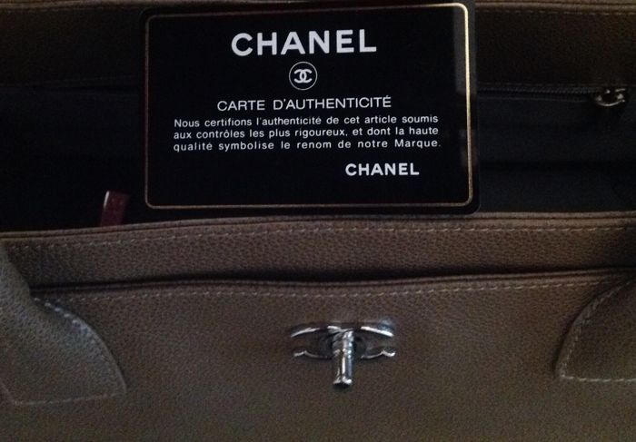 53e0d2df29c6a8 Chanel - Cerf Tote bag - Catawiki