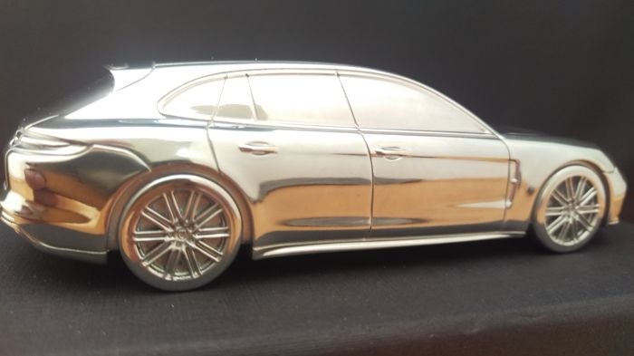 Porsche Panamera Turbo Sport Turismo 2017 - solid aluminium Paperweight in luxury gift packaging - scale 1/43