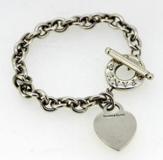 Tiffany & Co - Vintage Sterling Silver Heart Ornament Bracelet, Circa. 1995 - Bracelet Length : 20.7 cm
