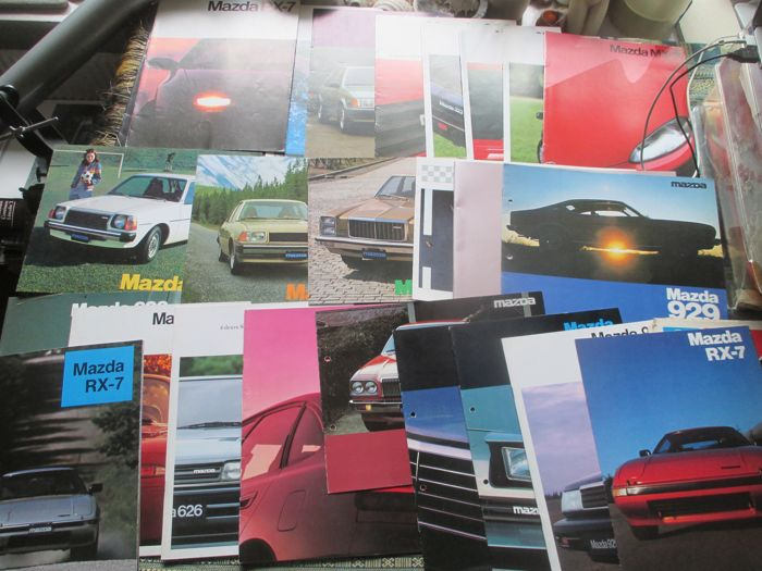 Car brochures (Mazda, including MX3/MX5/RX7, 30x, 1987-1996)