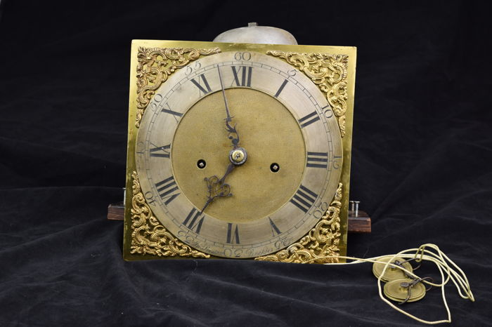 Fancy antique English movement - 18th century - Bronze dial - signed