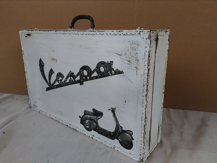 Old printed VESPA wooden briefcase with leather handle, 1970s