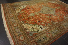 Royal magnificent Persian palace carpet, oversize, made in Iran, province of Tabriz: Tabriz 300 × 430 cm