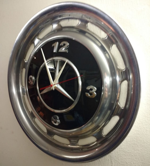Mercedes benz hubcap clock diameter 39 cm catawiki for Mercedes benz hubcaps