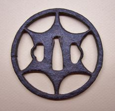 A cast iron 'maru-tsuba' for a 'wakizashi' sword - Japan - 1800-1850 (Edo period)