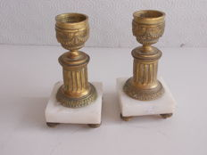 Antique pair of bronze vases with marble base - Louis XVI style - France, 19th century