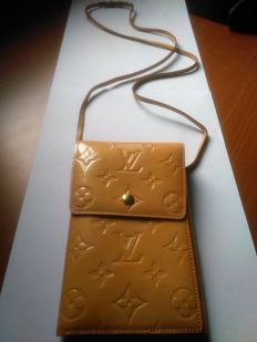 Louis Vuitton - Shoulder bag - *No Minimum Price*