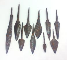 Medieval iron arrowheads, 45-107 mm (10)