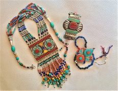 n. 3 Handmade Silver Traditional Tibetan Mosaic of Gems, with Turquoise, Coral, Amber and Lapis Lazuli - Necklace  Bracelet  Pendant