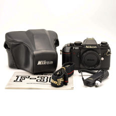 Nikon F-301 Body + Leather ever-ready case + remote control (2056)