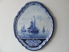 Tichelaar-Makkum - Wall plaque with flat-bottomed fishing boats