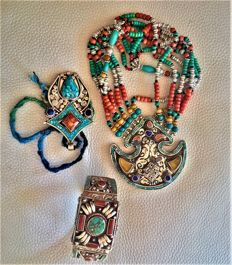Handmade Silver Traditional Tibetan Mosaic of Gems, with Turquoise, Coral, Amber and Lapis Lazuli - Necklace  Bracelet  Pendant -Weight gr 301