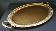 Exceptional Oval Tray in Vermeil (18-Carat Yellow Gold over 800 Solid Silver) by the famous milanese Silversmith Luigi Genazzi Di Eros, (Milano, circa 1934-1944), Weigth 3139 grams