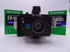 Polariod EE66 with 2x Fuji FP-100b