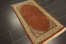 Magnificent handwoven Oriental palace carpet, Sarough Mir, 88 x 152 cm, made in India, excellent highland wool
