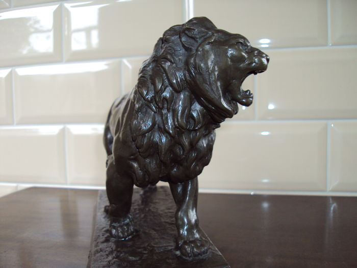 Bronze lion, after Charles Valton, 20th century, France