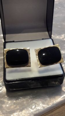 14K gold cufflinks whit onyx. 8,46 grams,  No reserve