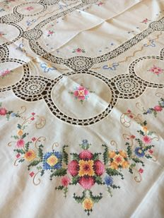 Tablecloth entirely handmade in cross stitch