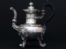 Solid silver tee pot, Etienne-Auguste Courtois, France 1834-1847.