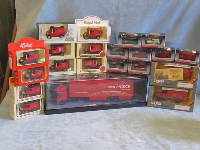 Corgi - Scale 1/76-1/43 - Lot with 22 UK Royal Mail  Postal Service vehicles