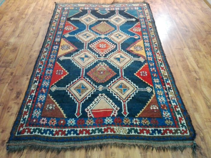 Old Persian nomadic Shiraz rug 160 x 266