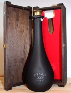 "Otard XO ""Black Bottle"" Chateau de Cognac - 700ml, 40%vol., Original Wooden Box"