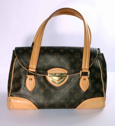 Louis Vuitton – Model: Beverly GM – Gold buckle – Two handles – 4099