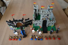 Castle - 6080 + 6059 - Kings Castle + Knights Stronghold