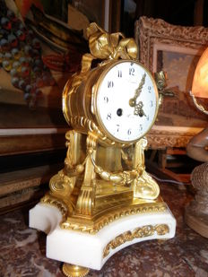 Table clock Louis XVI