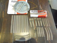 Fleischmann N - 9100/9101/9120/9130/etc. - 27 rails, 5 points sets and one manual turntable
