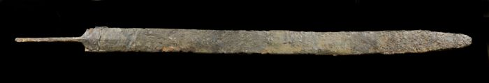 Prehistoric, Iron Age Iron Celtic long sword in scabbard complete - 930×50×0 mm - (1)