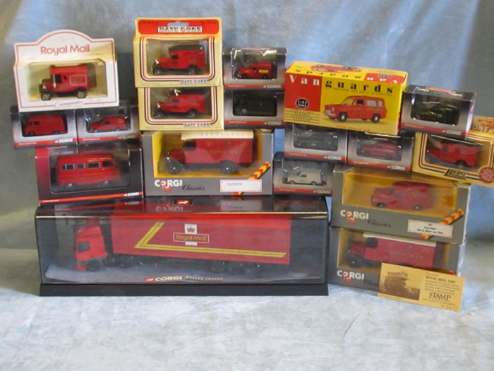 Corgi - Scale 1/50-1/76 - Lot with 19 models: 19 x UK Royal Mail  Postal Service vehicles