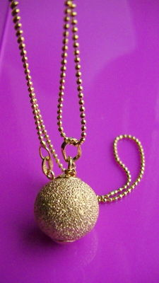 Necklace - with diamonds, spherical pendant 585 gold - no reserve price