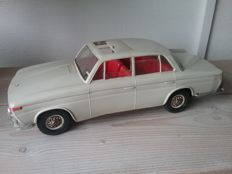 Arnold, Western Germany - Length 38 cm - plastic / tin BMW 1500 with clockwork motor, 1960s