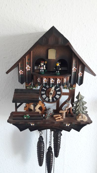 Cuckoo clock with music box - Type Chalet - Black Forest - Regula - Period 1970
