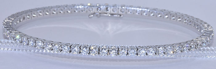 4.45 ct Innovative static and flexible tennis bracelet